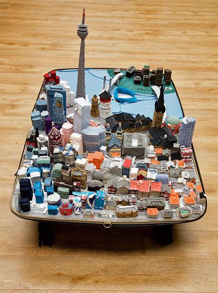 スーツケース内に再現されたジオラマの画像(6枚目)