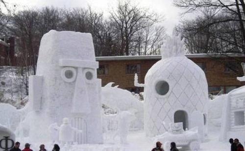【画像】海外の雪祭りとか色々な雪像がやっぱ海外って感じで面白いwwwの画像(1枚目)