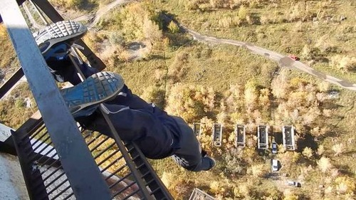 高くて怖い!!高所での怖すぎる記念写真の数々!!の画像(43枚目)