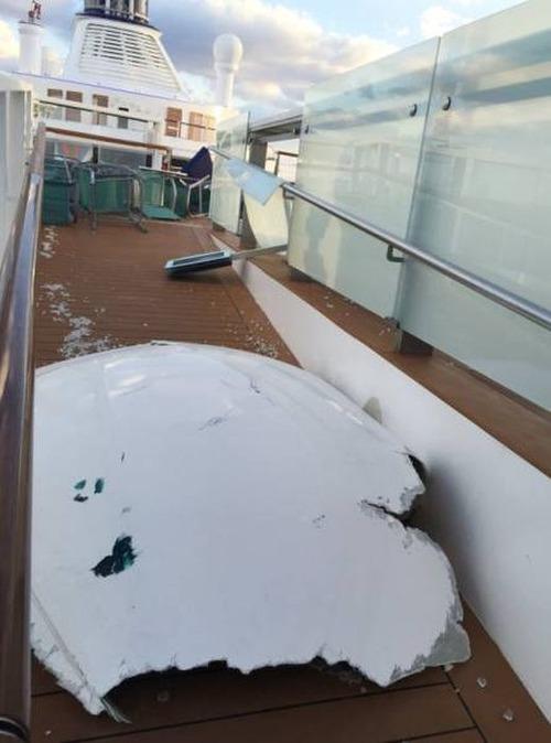 全長348mの超巨大船「アンセム・オブ・ザ・シーズ」の台風の被害が悲惨すぎる!!の画像(7枚目)