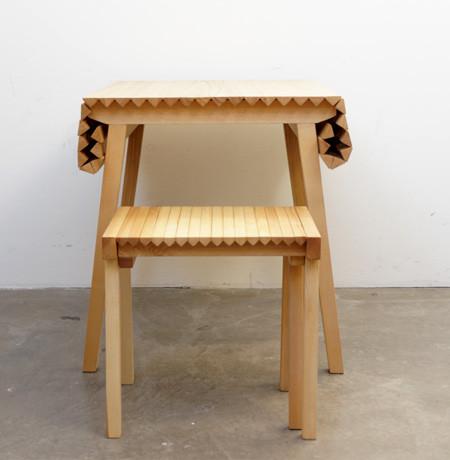 長さ調節自在な木製の机07