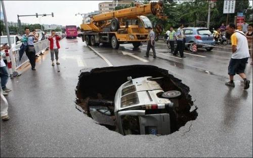 どうしてそうなった?何だか凄まじい事になっている自動車事故の画像の数々!の画像(18枚目)