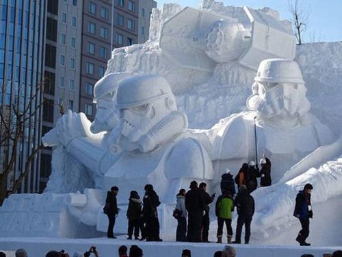 【画像】海外の雪祭りとか色々な雪像がやっぱ海外って感じで面白いwwwの画像(17枚目)
