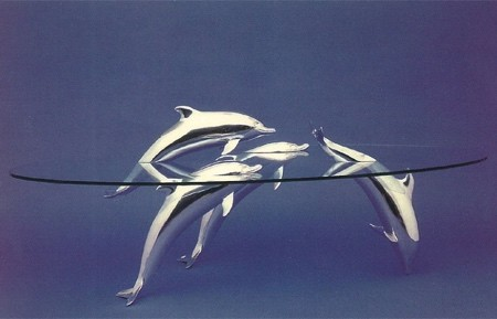 水辺に浮かぶ生物達のテーブル04