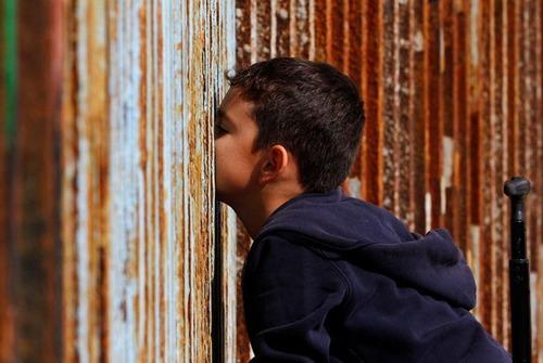 アメリカとメキシコの間の壁の画像(2枚目)