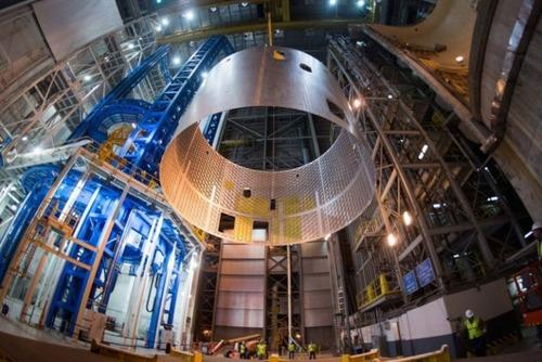 スペースシャトルの燃料タンクの画像(15枚目)
