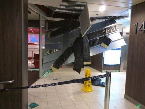 全長348mの超巨大船「アンセム・オブ・ザ・シーズ」の台風の被害が悲惨すぎる!!の画像(13枚目)