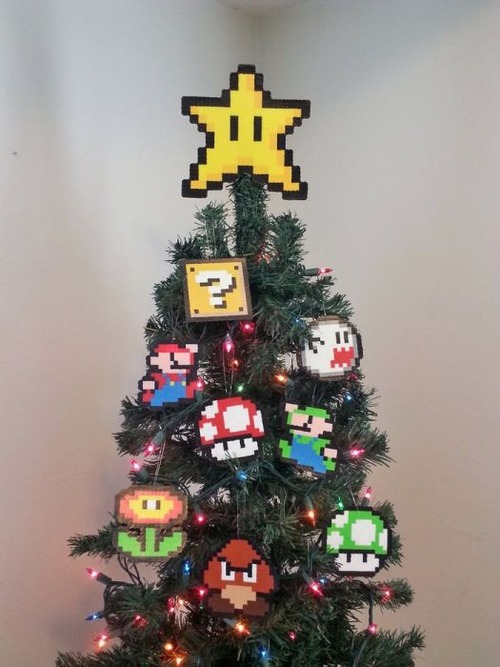 カオスなクリスマスツリーの上の飾りの画像(9枚目)