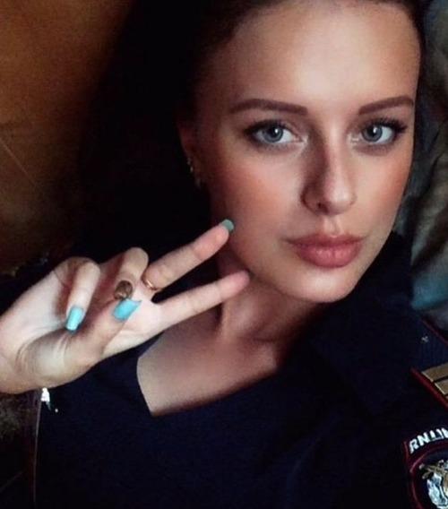 ロシアの婦警さんの画像(14枚目)