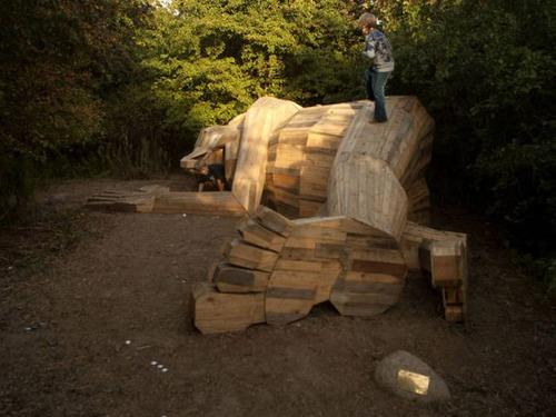 木でできた森の中の巨人の画像(12枚目)