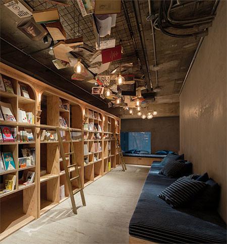 本屋と宿泊施設が合体したホテルが魅力的!!の画像(3枚目)