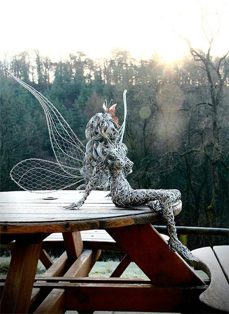 【画像】生きてるみたい!針金で再現された妖精が凄い!!の画像(11枚目)