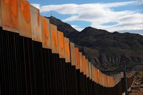 アメリカとメキシコの間の壁の画像(6枚目)