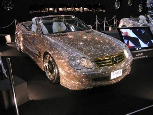 【画像】とりあえず目を引く!かっこ良かったり悪かったりする自動車のカスタム!!の画像(21枚目)
