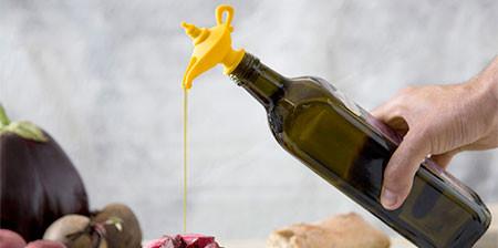 【画像】簡単便利に油を注げるキャップが魅力的!!の画像(1枚目)