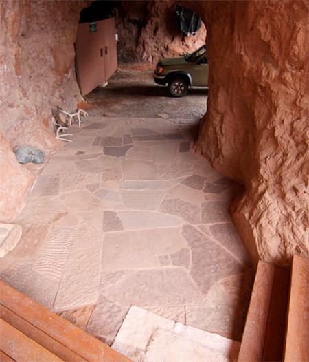 洞窟を利用した家の画像(1枚目)