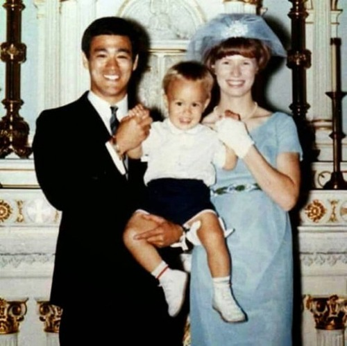 ブルース・リーの幸せそうな私生活の画像の数々!!の画像(3枚目)