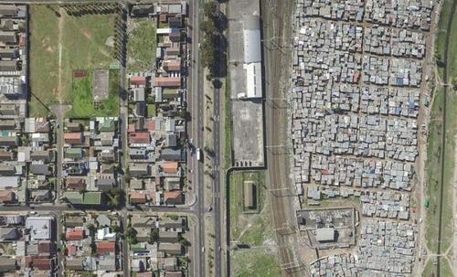 ケープタウンの富裕層と貧困層の画像(3枚目)