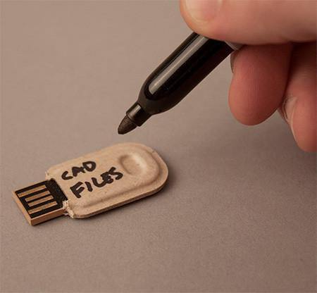 パキッと折って使えるUSBメモリ03