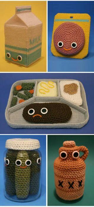 編み物のシュールな作品1