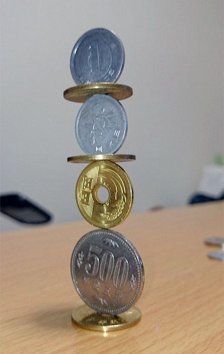 コインを積み上げてバランス09