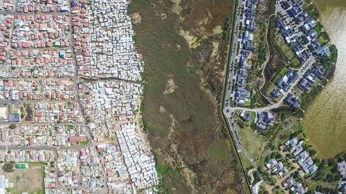 ケープタウンの富裕層と貧困層の画像(6枚目)
