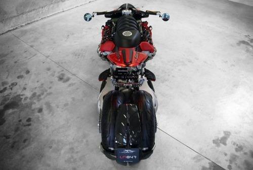 バイク?エンジン?4700ccのエンジン搭載の化け物のようなバイク!!の画像(6枚目)