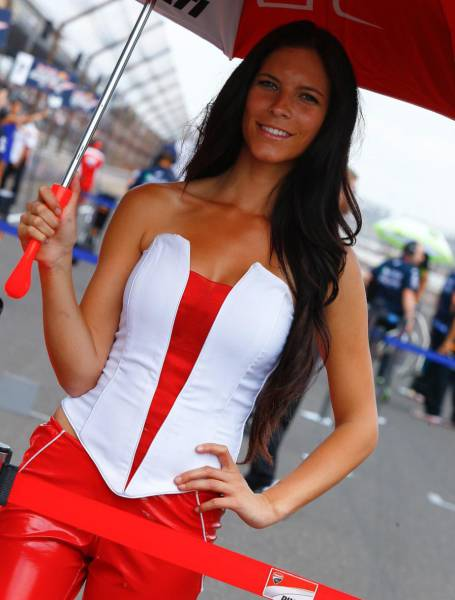 スタイル抜群!モータースポーツのコンパニオンさんの画像の数々!!の画像(68枚目)