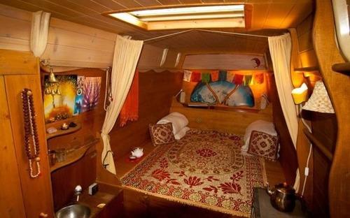 【画像】ワゴン車を木造のキャンピングカーにするカスタムが凄い!の画像(19枚目)