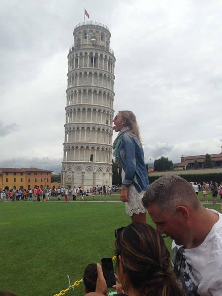 ピサの斜塔の記念撮影の画像(4枚目)