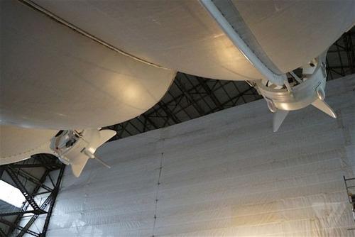 世界最大の飛行船「Airlander10」の画像(2枚目)