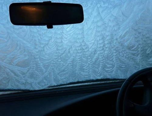 凍っている自動車の画像(47枚目)