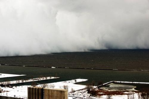【画像】大雪のニューヨークで日常生活が大変な事になっている様子!の画像(1枚目)
