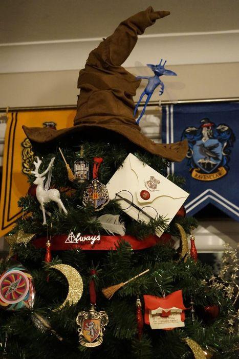 カオスなクリスマスツリーの上の飾りの画像(25枚目)