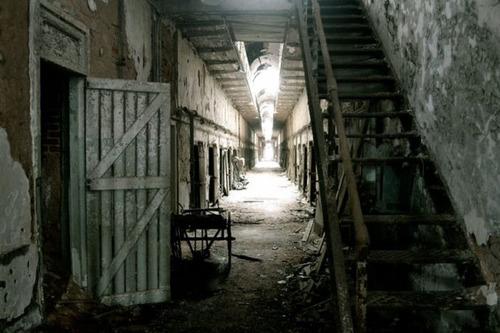 【画像】ペンシルバニアの州立刑務所が不気味で美しい…の画像(10枚目)