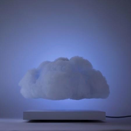 空中に浮かぶ雲の置物03