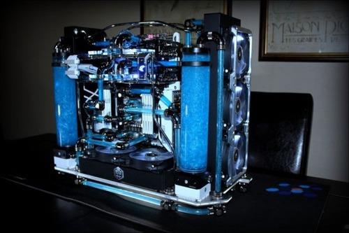 【画像】芸術の域に達している自作パソコンが凄い!!の画像(17枚目)