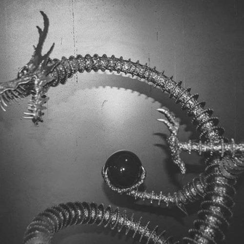 金属を使ったメタルアートの画像(3枚目)