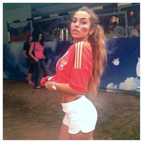 綺麗なサッカーのサポーターのお姉さんの画像の数々!!の画像(32枚目)