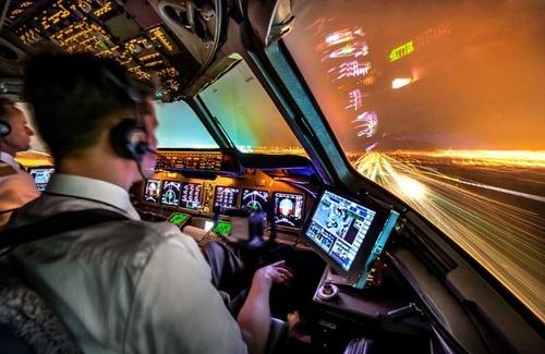 複雑過ぎ!飛行機のパイロットが見ている風景の画像の数々!!の画像(1枚目)