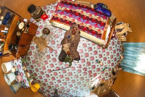 世界各国の人達のベッドルームの画像(16枚目)