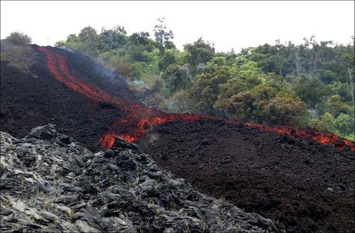 キラウエア火山から海に流込む溶岩の画像(6枚目)