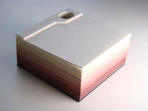 付箋紙を使うと出現するジオラマの画像(1枚目)