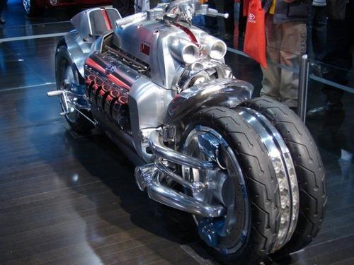 世界に10台5500万円のバイク!ダッジ・トマホークがやっぱり凄い!!の画像(15枚目)