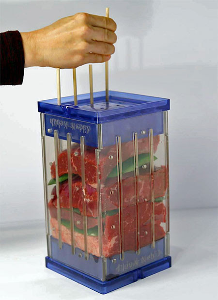バーベキューの串焼き肉の画像(2枚目)
