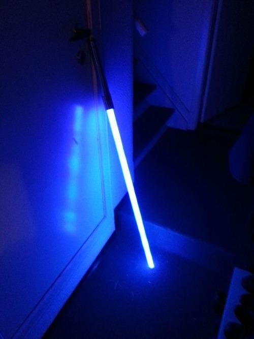【画像】自作のライトセーバーがお手軽そうでカッコ良い!!の画像(11枚目)