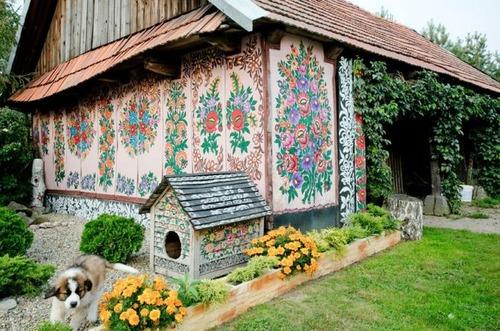 お花がプリントしてある可愛い家の画像(10枚目)