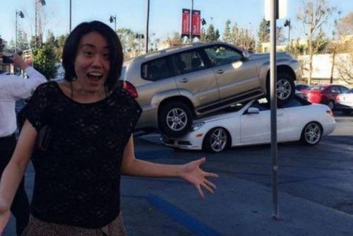 どうしてそうなった?何だか凄まじい事になっている自動車事故の画像の数々!の画像(1枚目)