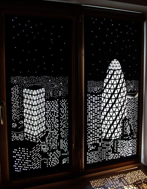 夜景のような景色のカーテンの画像(3枚目)