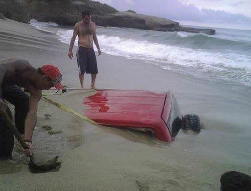 悲惨すぎる自動車のトラブルの画像(2枚目)